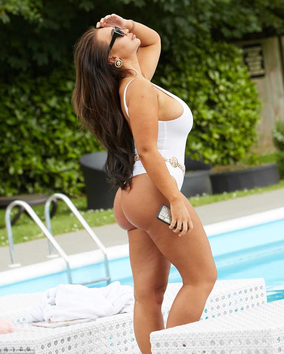Lauren Goodger sexy