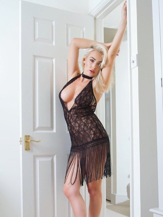 Lucie Brooks sexy busty blonde