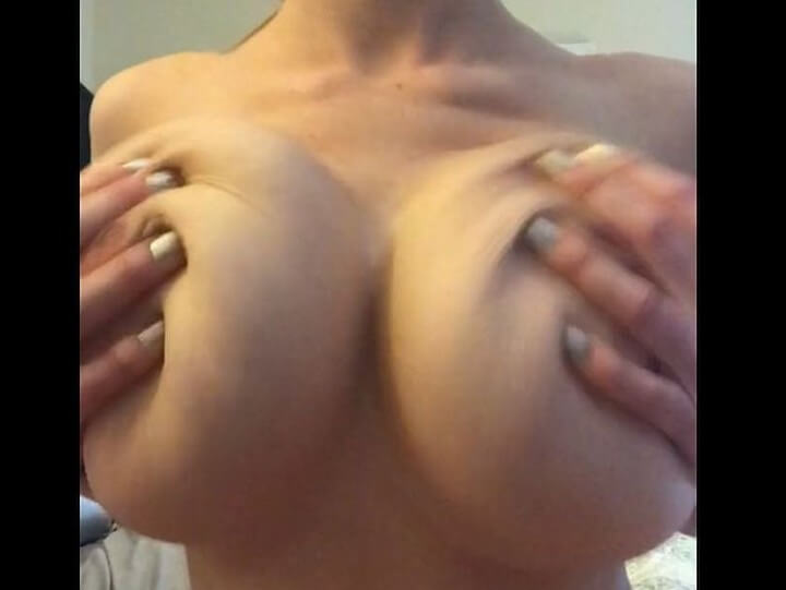 naked girl with big boobs