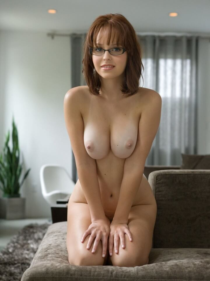 nude girl with glasses and big tits