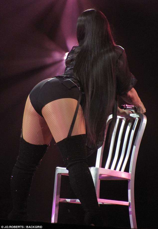 Demi-Lovato sexy