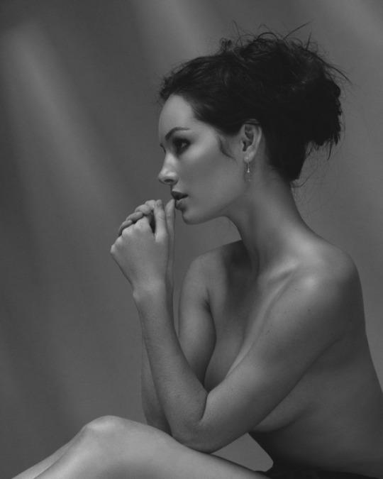 fashion model Chandler-Bailey nude art pose