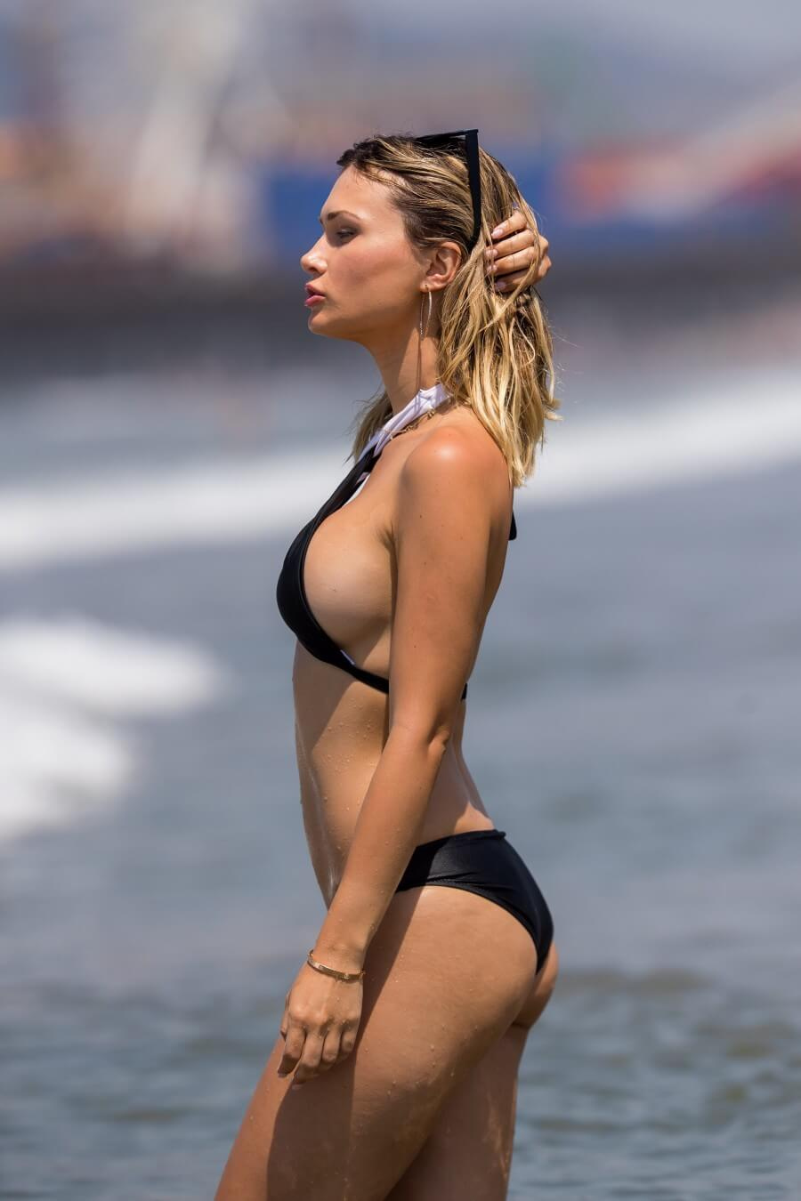 Ella Rose bikini babe