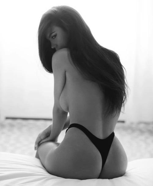 Erin Willerton topless thong