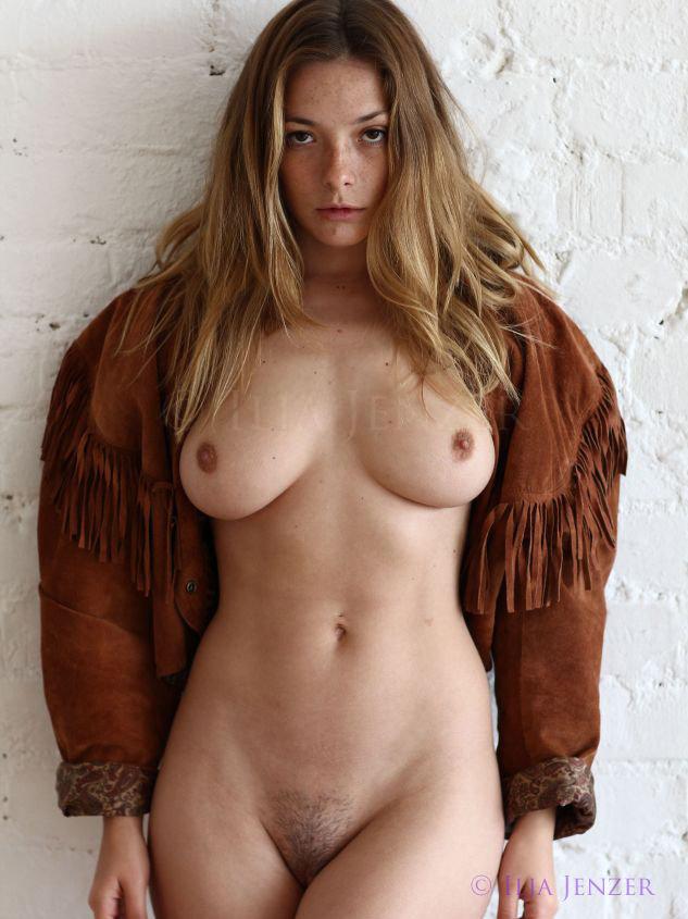 Olga Kobzar nude model big tits 2
