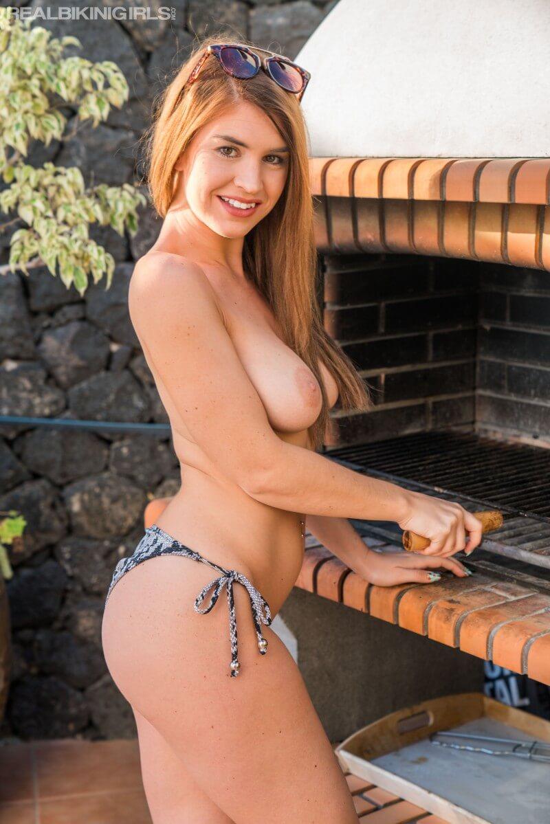 Hot girl Katie Lou topless 5