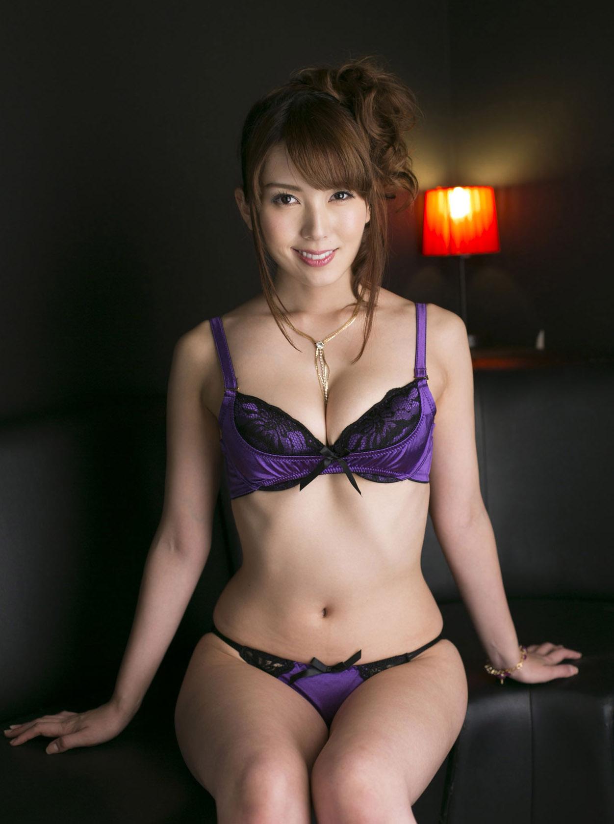 Yui Hatano sexy