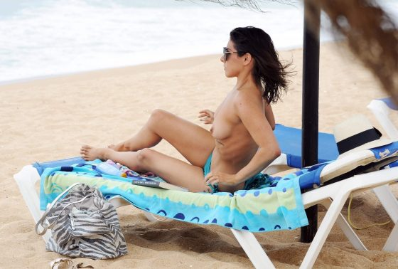 English actress and singer topless