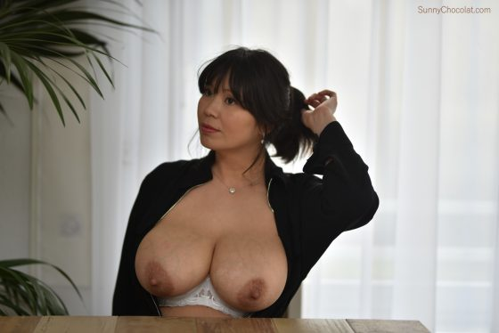 Sunny-Chocolat boobs naked