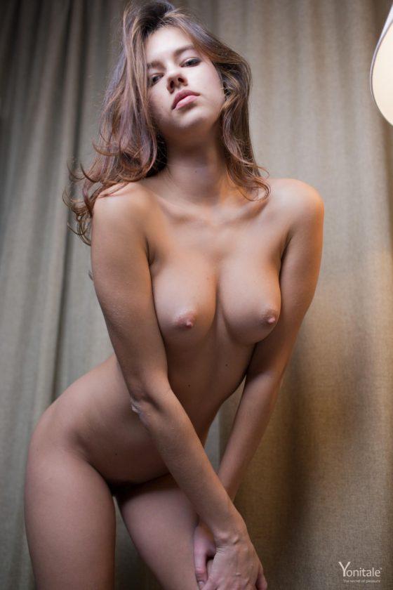 Hot Brianna Y nude beautiful erotic model