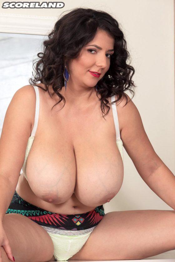 Scoreland Lara Jones topless nude pic 11