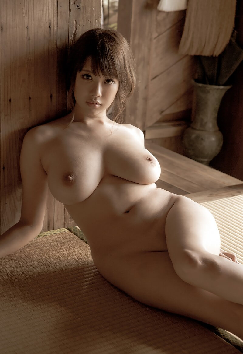 RION nude-Japanese-model with big tits