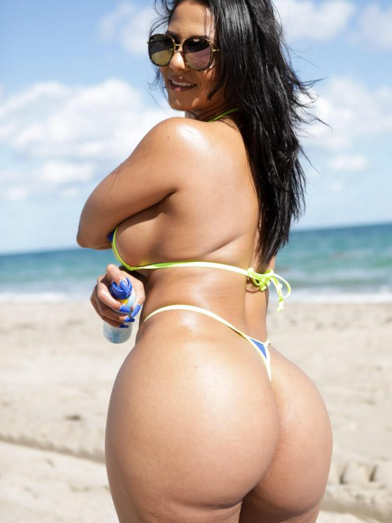 Porn star Rose Monroe big ass thong bikini 10