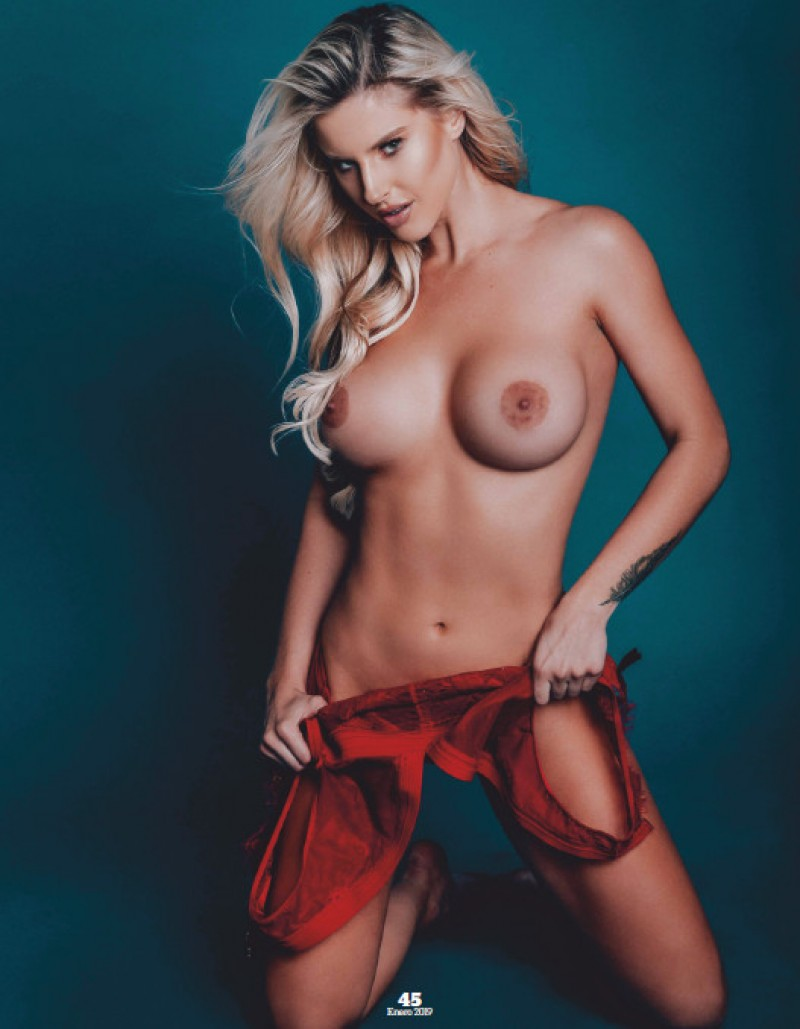 Playboy Mexico January 2019 - Brennah Black Strips Naked -1009