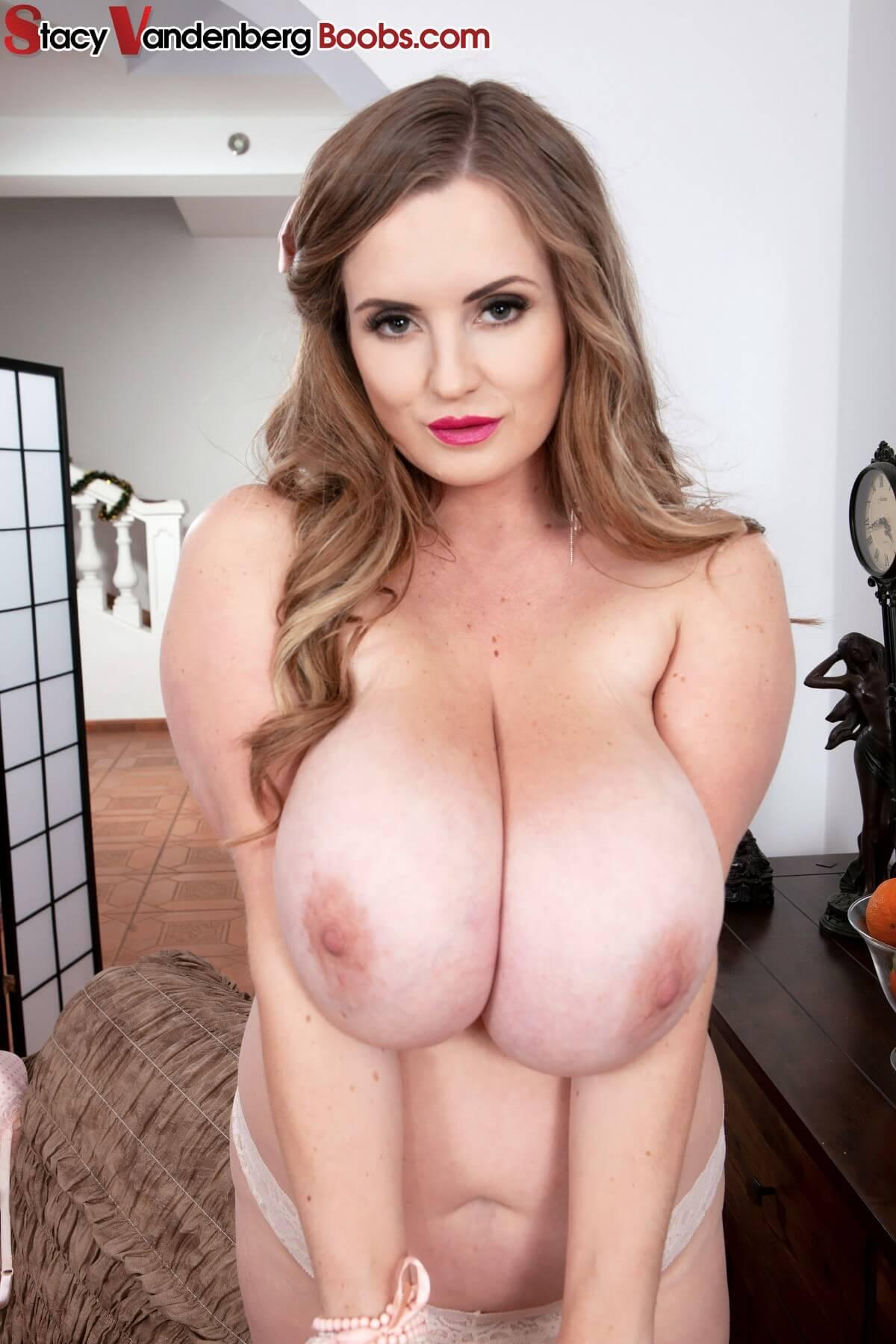 Huge tits strip