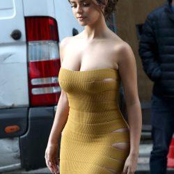 Demi Rose dazzling braless strapless dress in London's roads ( 6 photos)