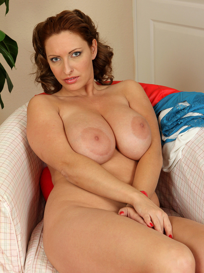 Michele naked busty hot moms hairless