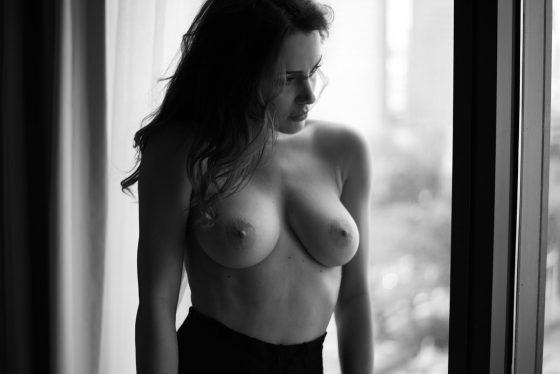model Sadie Gray nude shoot photo 4