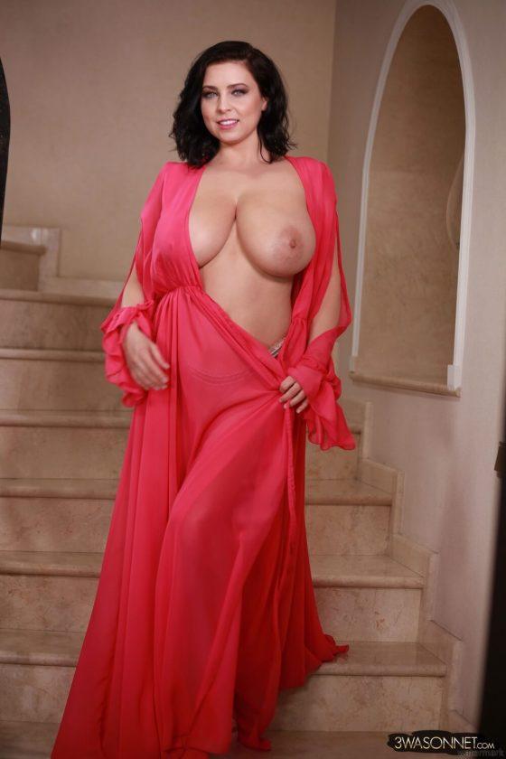 Ewa Sonnet topless Busty Queen-3
