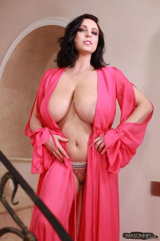 Ewa Sonnet topless Busty Queen-4