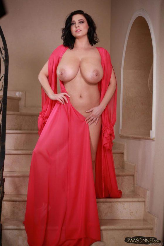Ewa Sonnet topless Busty Queen-8