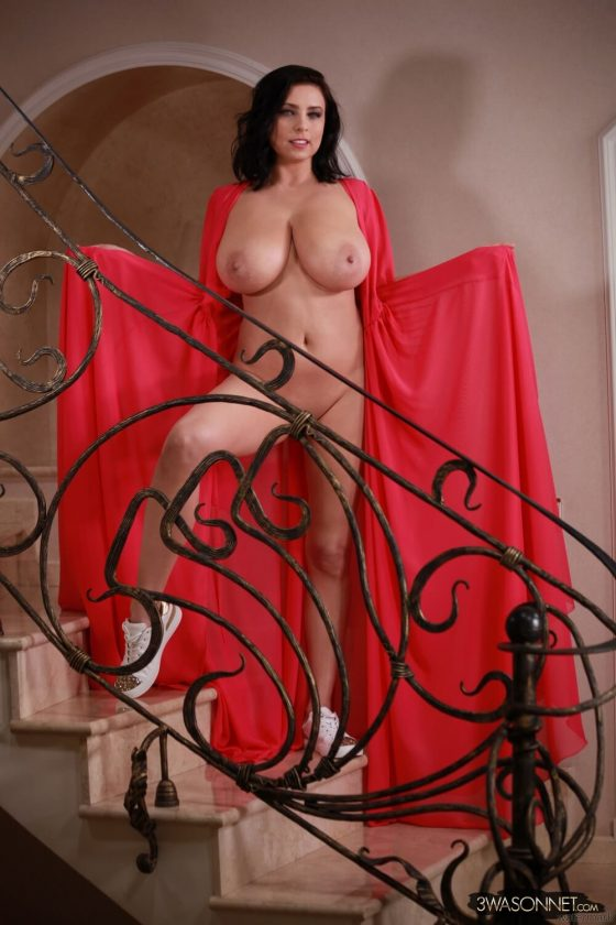 Ewa Sonnet topless Busty Queen-9