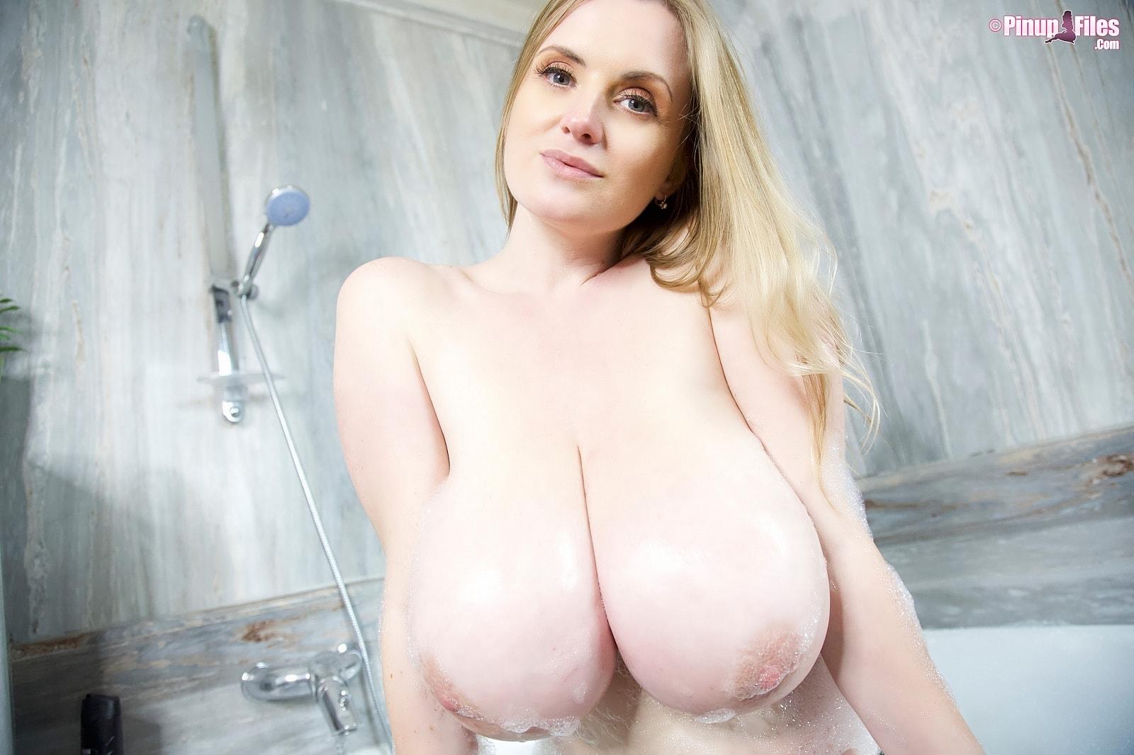 Body nude maria Maria Body,