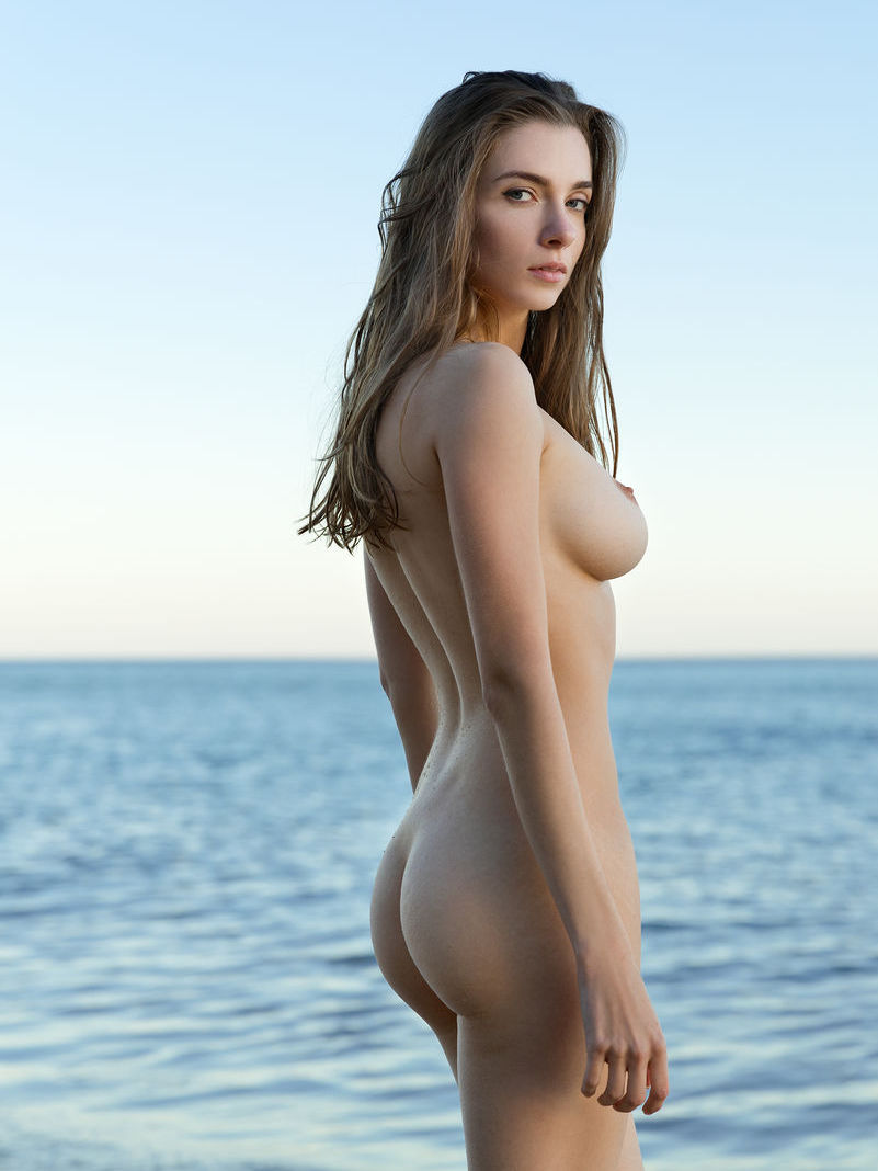 gorgeous nude model at sea