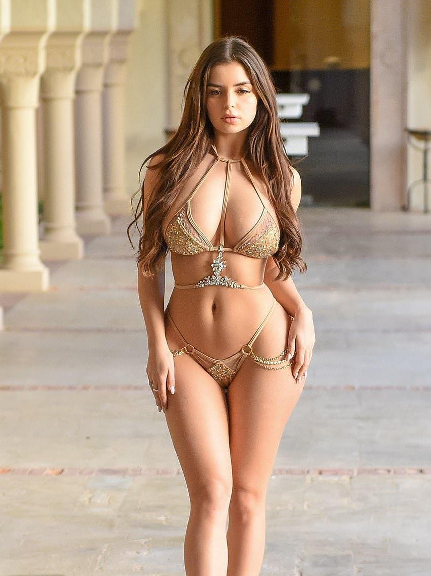 salvadorian-girl-nude-models