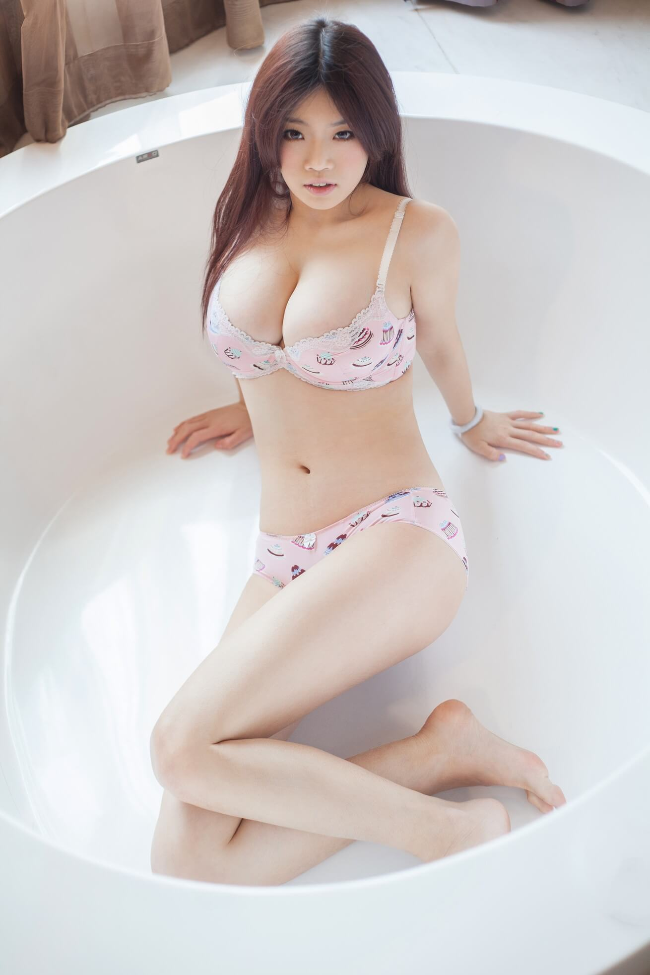 Top 60 Naked Chinese Girl Stock Photos, Pictures, and