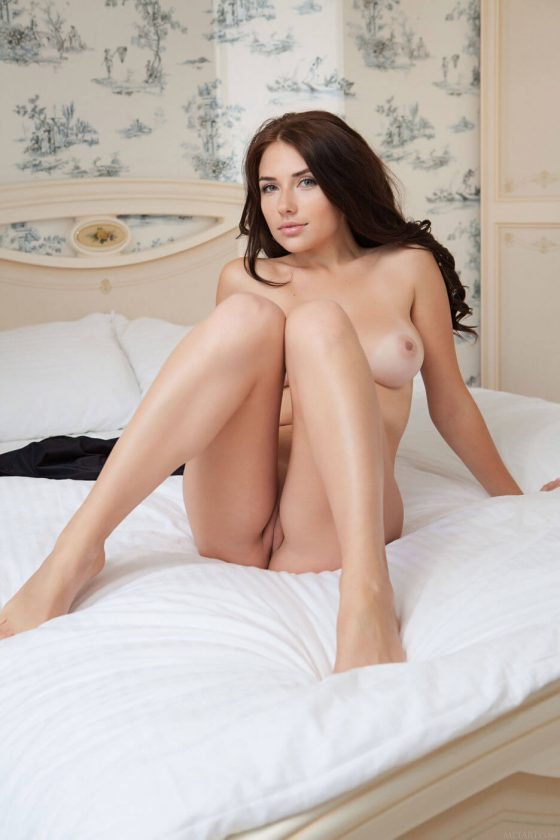 Erotic girl Niemira nude shot 9