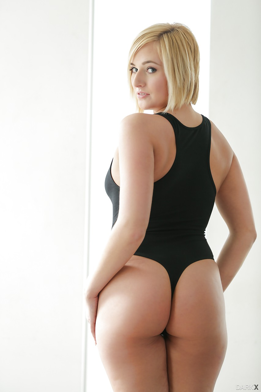 Sexy booty blonde Kate England strips her black swimsuit off