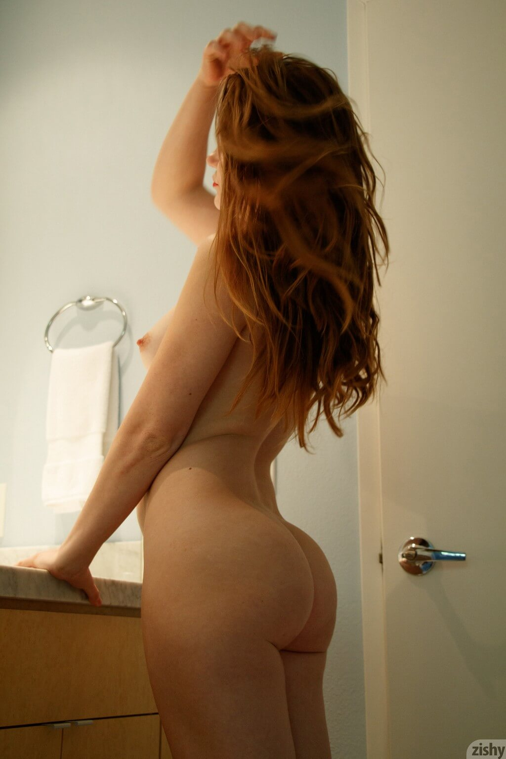 Amateur nude babe Misty Lovelace sexy by Zishy (gallery)