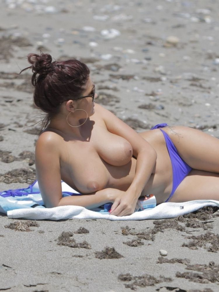 India Reynolds Topless on the Beach!