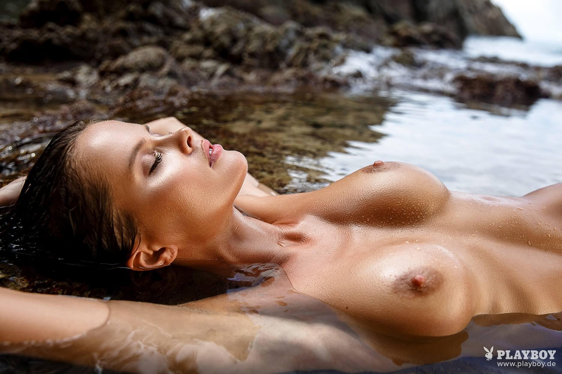 bilder von nikki garrett nackt