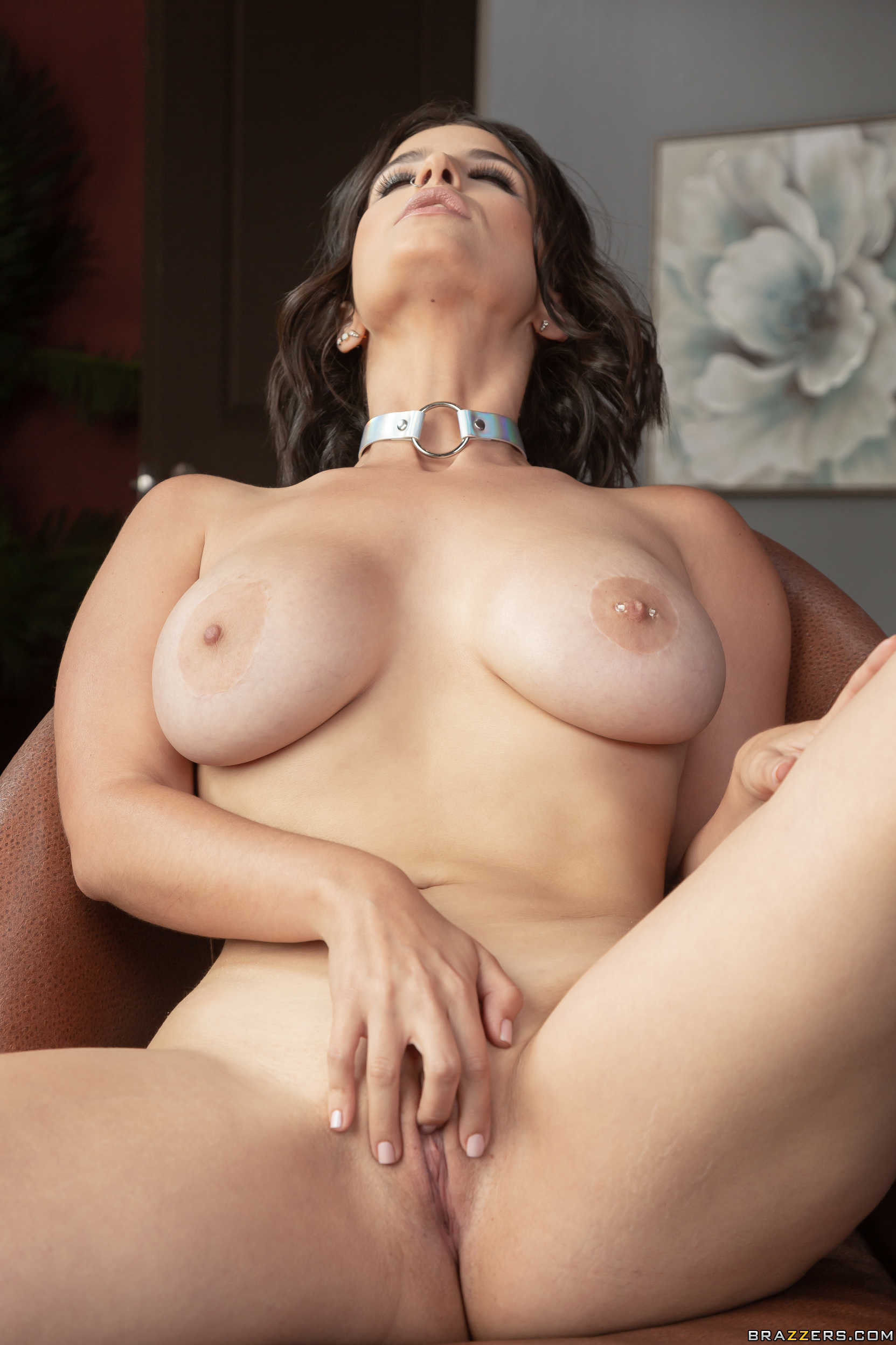 Brazzers La Sirena - An Exotic And Erotic Busty Student ...
