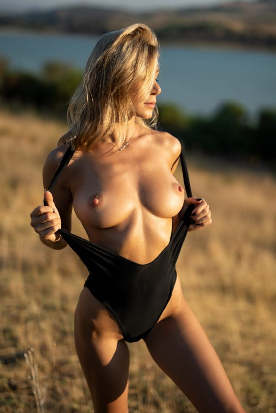 Phillips  nackt Anastasia AnastasiaDate offers