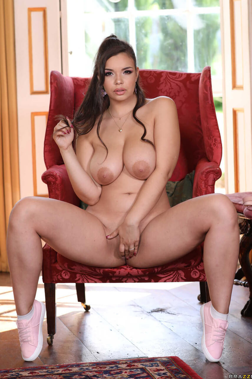 Lascivious Sofia Lee Stroking The Guards Post Brazzers