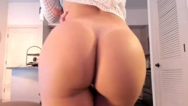BellaBrookz Epic Big Booty! (video)