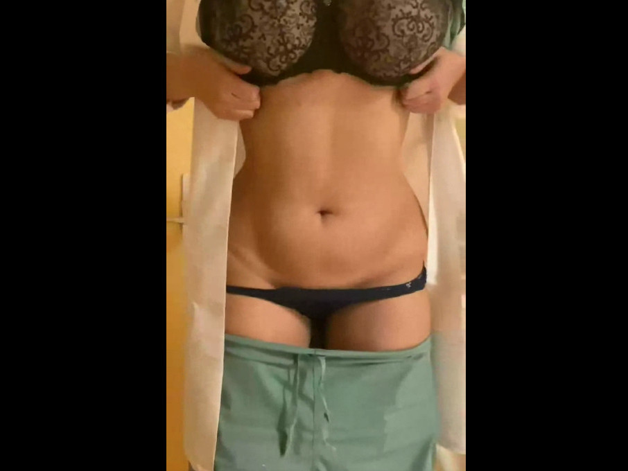 Titty-drop with naughty nurse revealing heavy hangers! (gif)