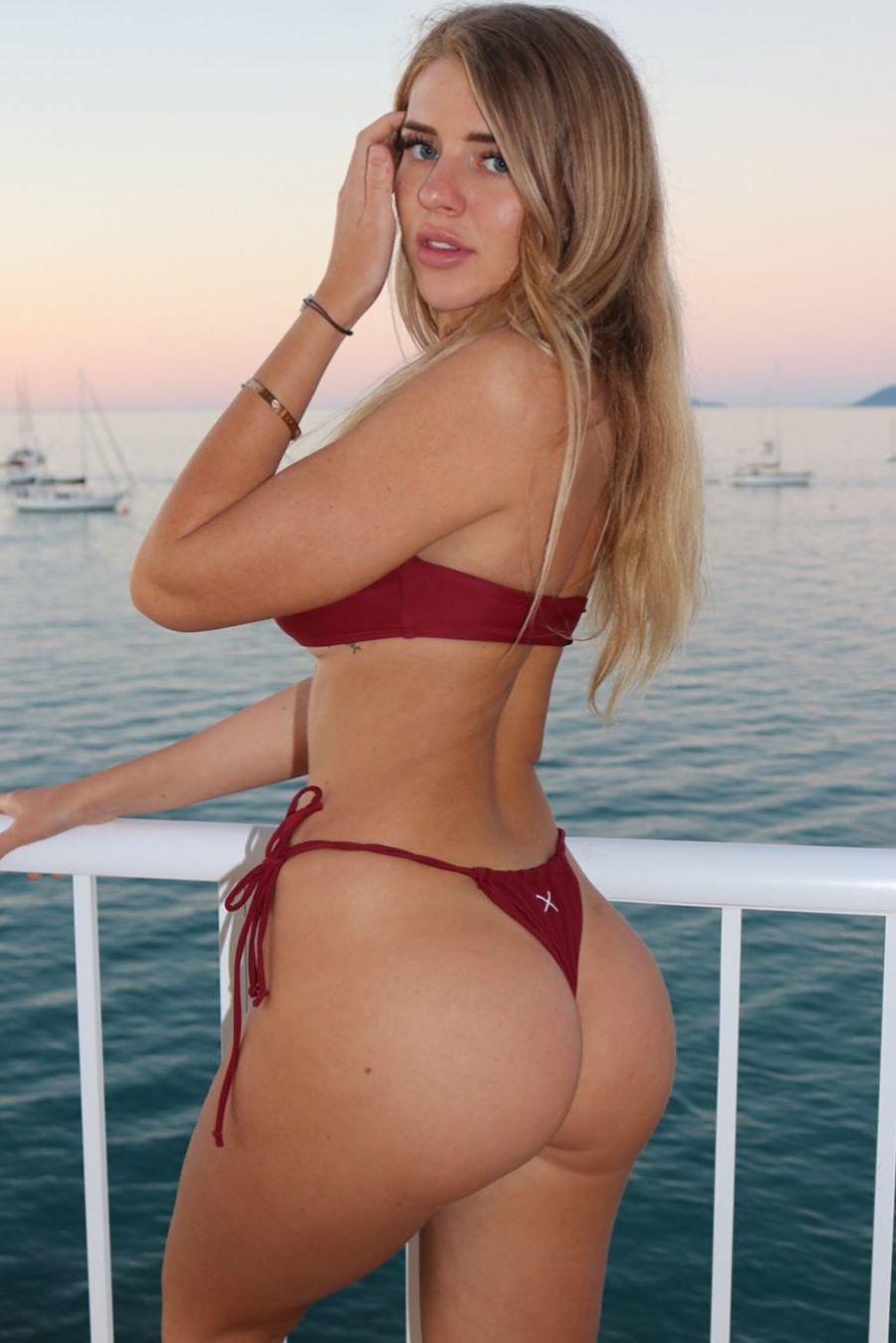 Hot girl with amazing ass in thong bikini ⋆ Pandesia World