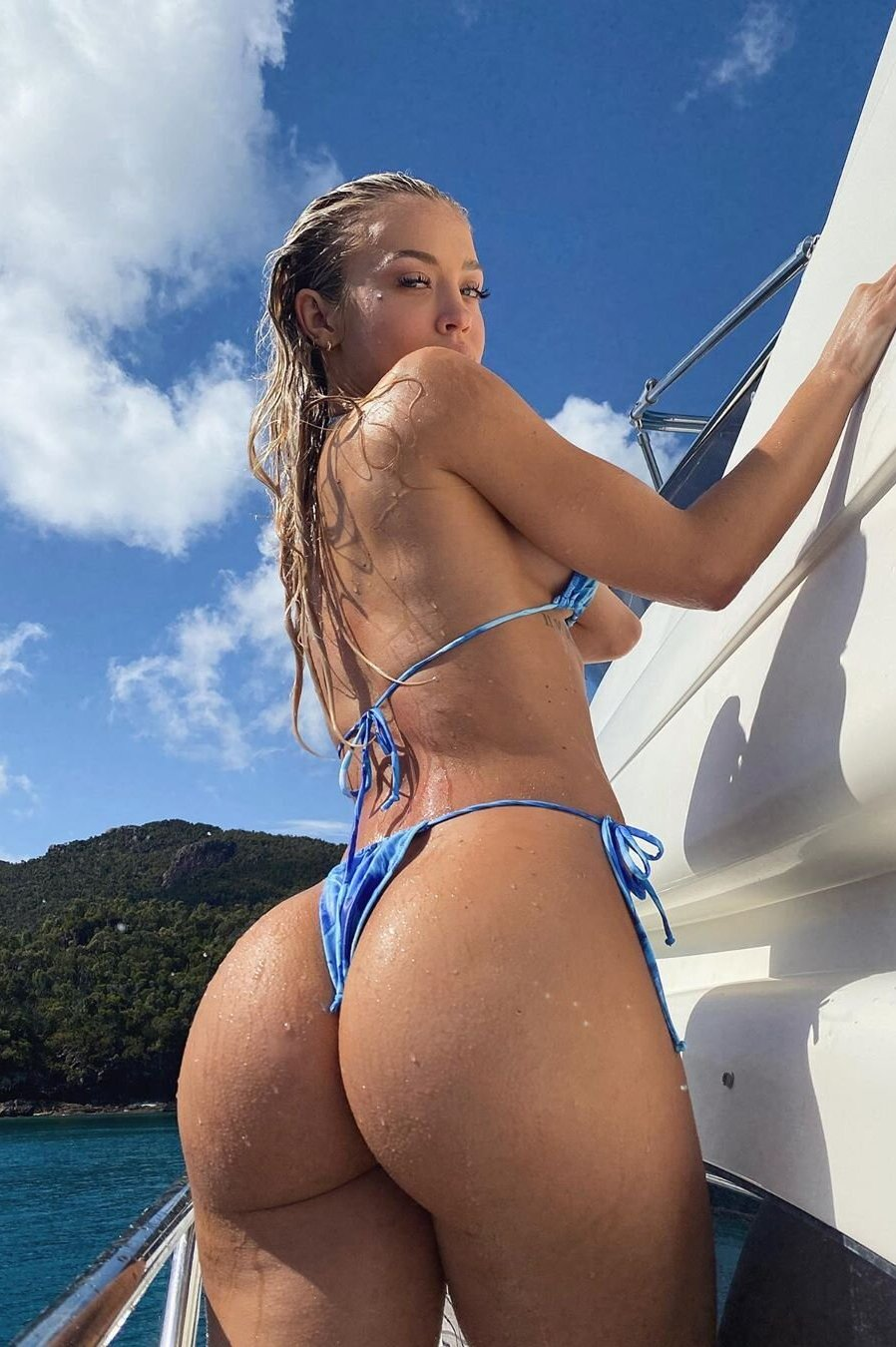 Hot girl wet big ass Groovy Girl With Wet Big Ass In Sexy Bikini Bottom Pandesia World