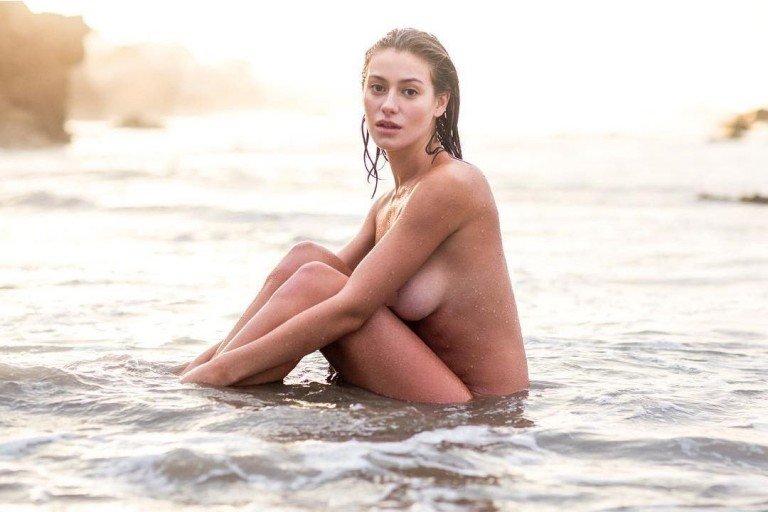 Sensual Mexican model Alejandra Guilmant nude photo 1