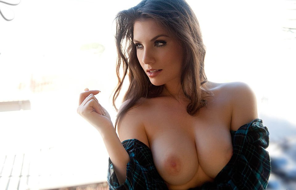 Hot Brazilian Anielly Campos Opens Her Shirt  Pandesia -6547