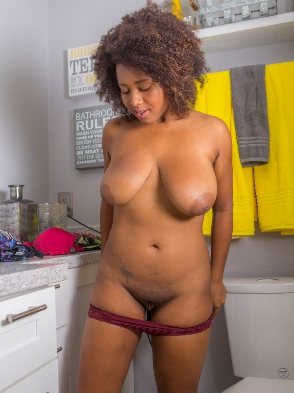 Whitney Williams naked black tits and pussy