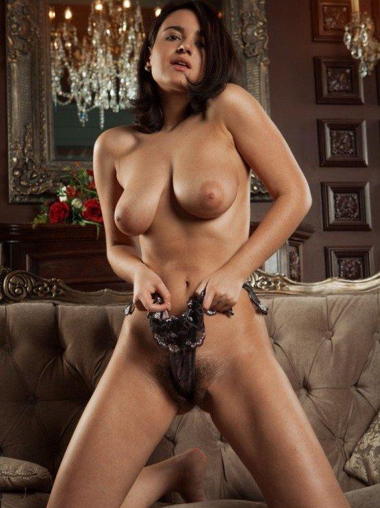 sexy girl naked nice tits