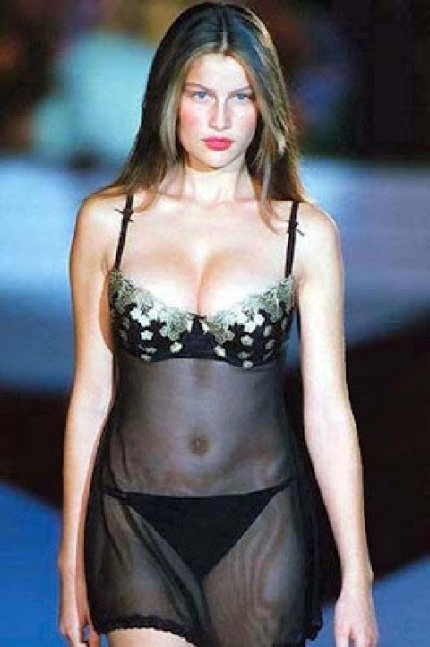 Do You Want To See Laetitia Casta Totally Naked?