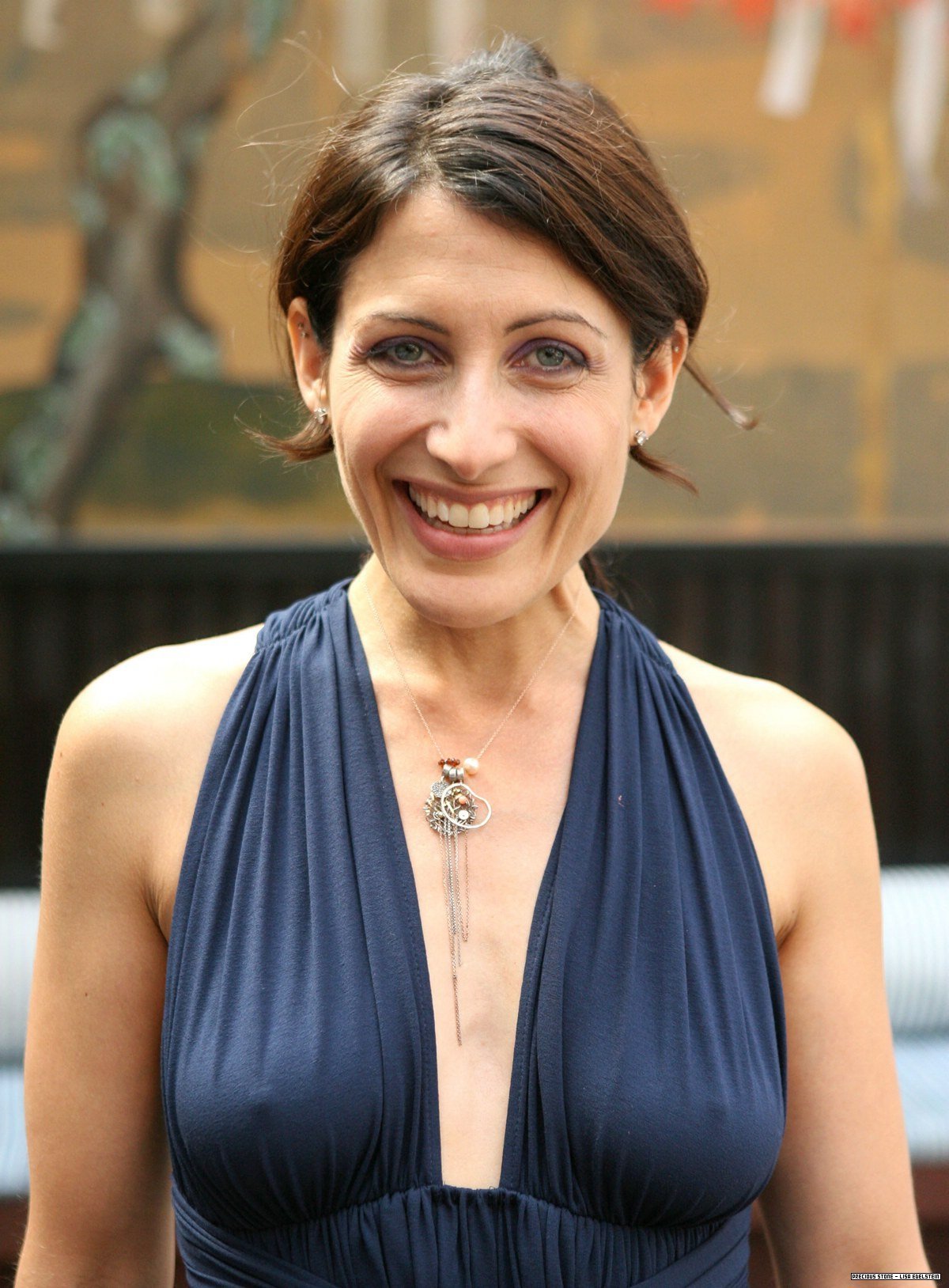 American actress Lisa Edelstein braless sexy dress photo 2
