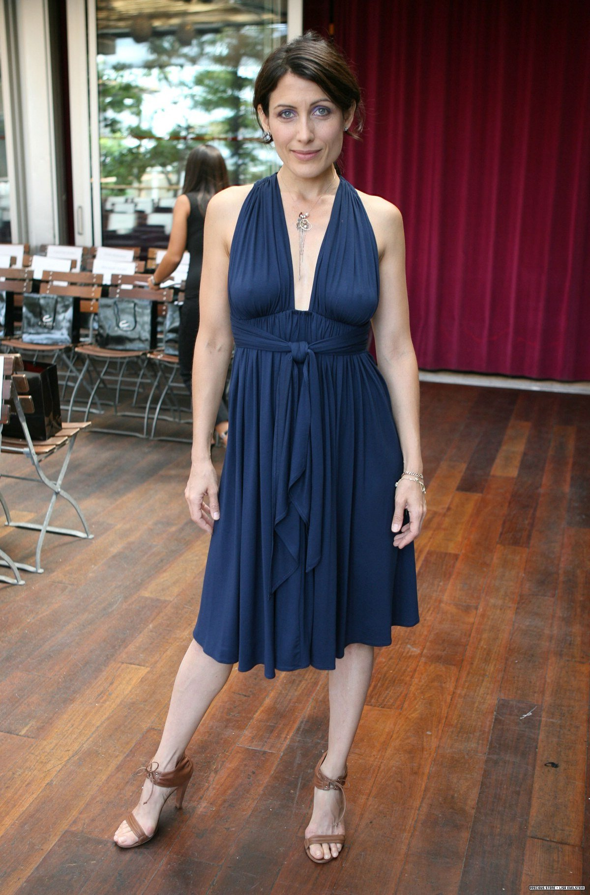 American actress Lisa Edelstein braless sexy dress photo 1