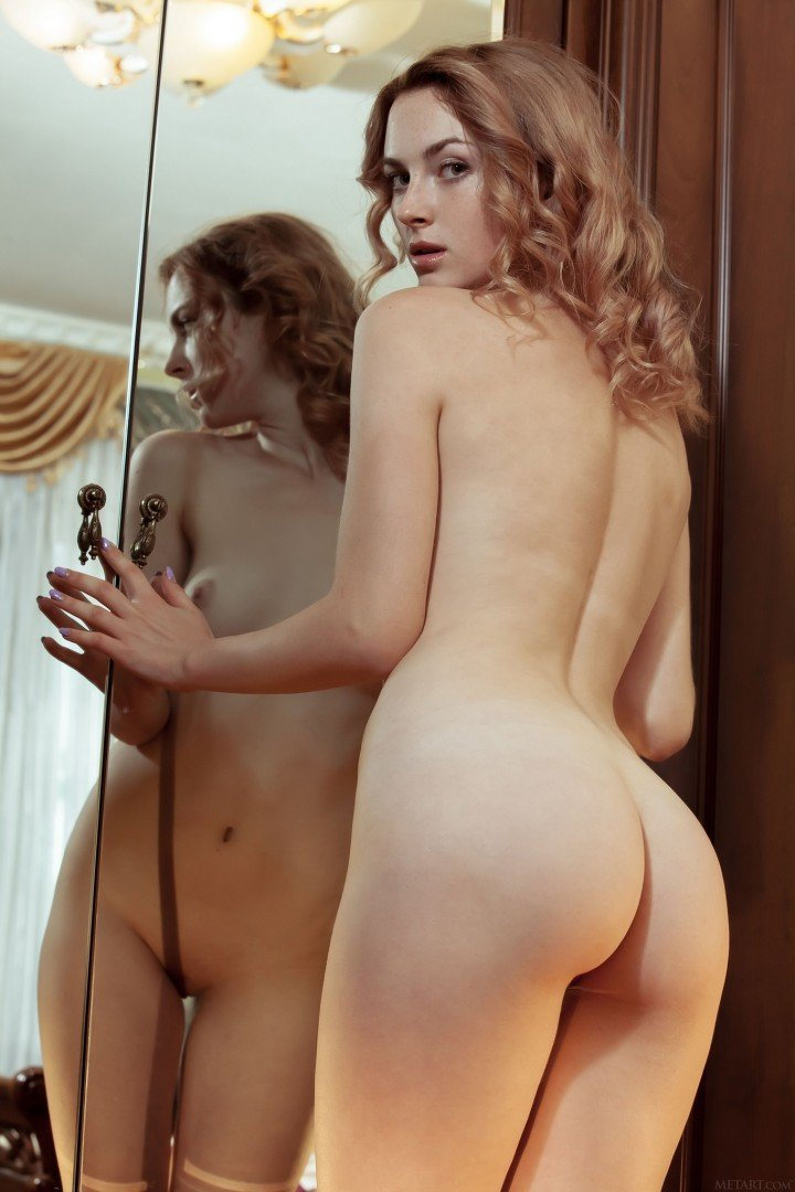 naked girl perfect ass